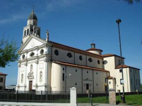 Villa del Conte church
